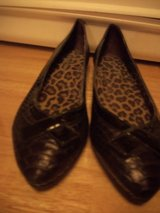 #8010 GIANNI BINI FLAT SHOES SIZE 8 1/2 in Fort Hood, Texas